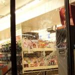 Stanley Cup 2011 Vancouver - Eingeschlagene Fenster eines 7-Eleven